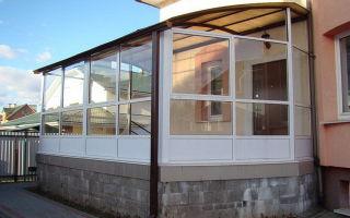 Окна из поликарбоната для веранды — варианты, фото, цена