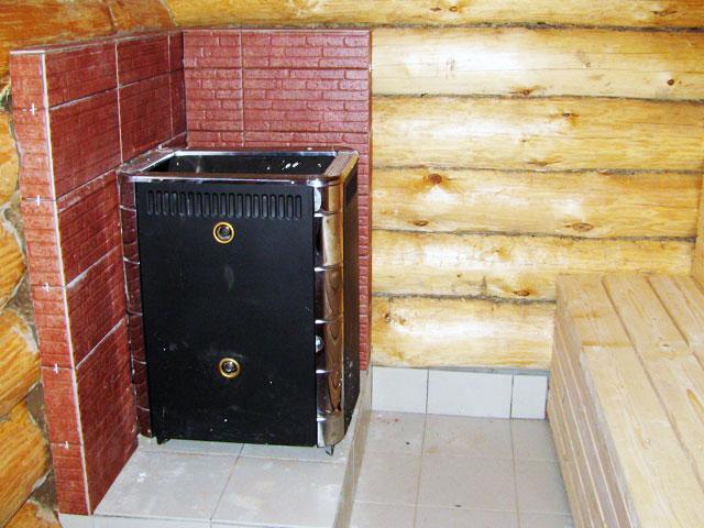 Посмотрим, что у бани внутри и как ее можно обустроить.