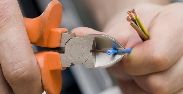 Дом Практика - электропроводка, коммуникации, отопление и сантехника
