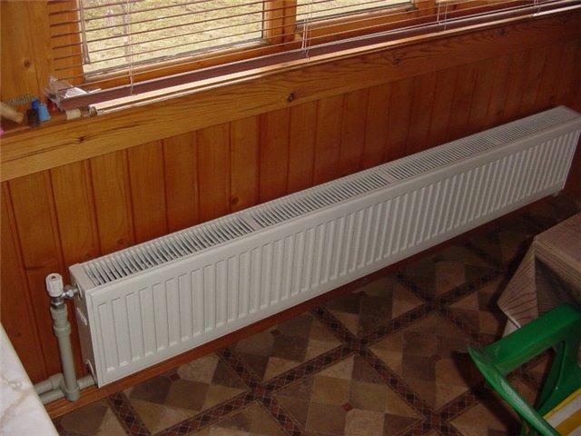 Стальной радиатор отопления всем хорош - легкий и относительно дешевый.