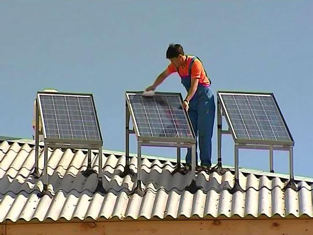 Установка солнечного коллектора производится по тем же правилам, что и установка солнечной батареи.