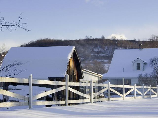 Уборка снега с крыши-а