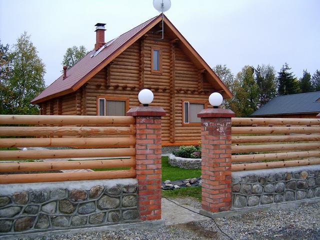 Красивые деревянные заборы фото а
