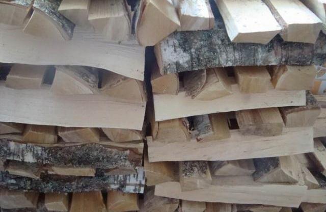 15 кубометров дров Сергею хватило почти до середины марта.