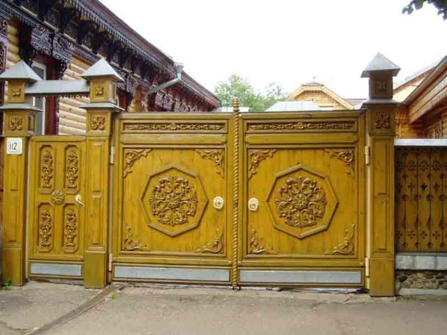 Вот такие ворота для деревянного забора 4