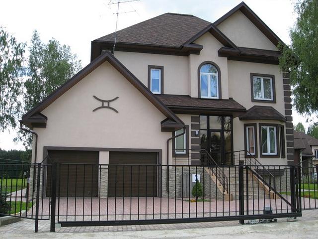 Пенопласт как утеплитель стен дома снаружи - только в системе мокрого фасада.