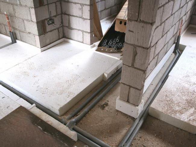 Пенопласт как утеплитель перекрытий - только под стяжку на бетонные плиты.