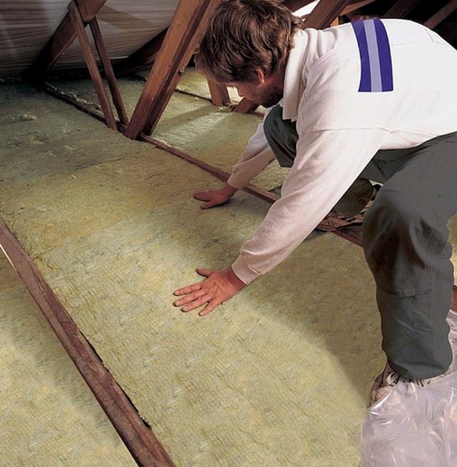 Можно утеплять чердачное перекрытие базальтовой ватой.