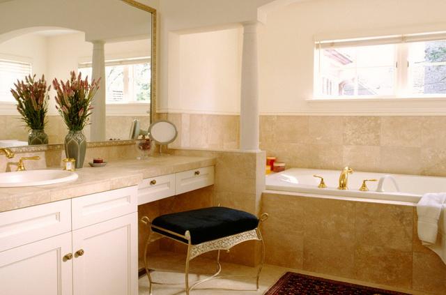 Санузел в частном доме - по одному на каждые 100 км.м. общей площади дома.