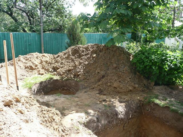 Чтобы сделать автономную канализацию в частном доме, придется пойти на большие финансовые затраты.