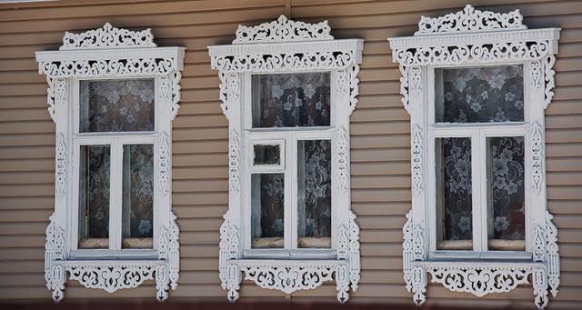 Резные наличники на окна 3 окна
