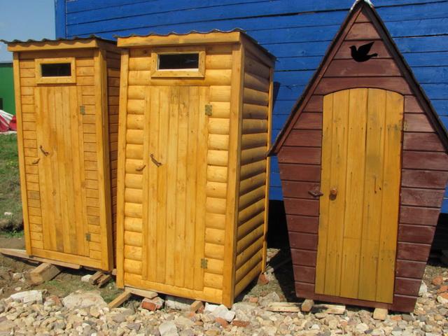 Туалет из блокхауса