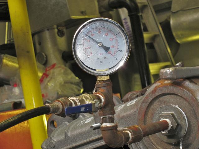 Как проводятся гидравлические испытания трубопроводов систем отопления 1