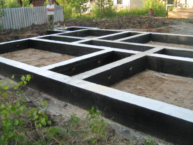 Строим ленточный фундамент - фото, ширина, глубина, арматура, утепление 3