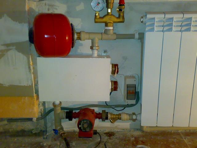 Какой выбрать электрический котел для теплого водяного пола в доме 1