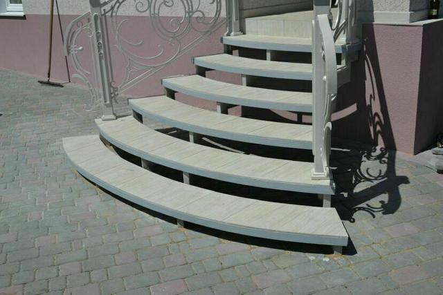 Готовые уличные ступени для крыльца - из металла, пластиковые, каменные 2