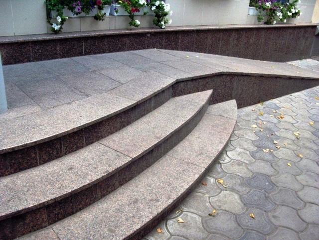 Гранитные ступени для крыльца дома - цена ступеней из гранита 4