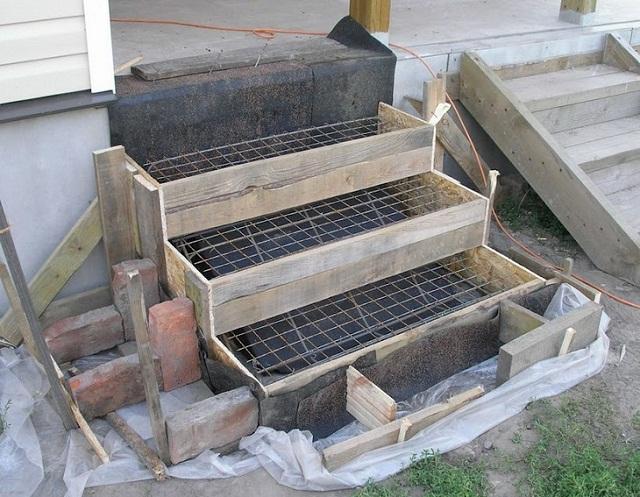 Как сделать бетонные ступеньки для крыльца частного дома 3