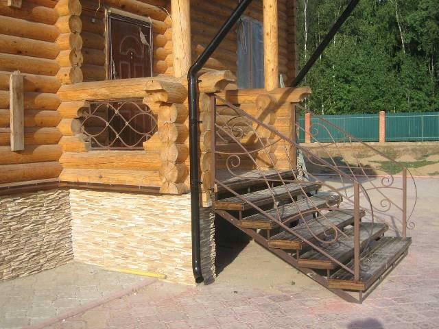 крыльцо из металла в частном доме фото 21