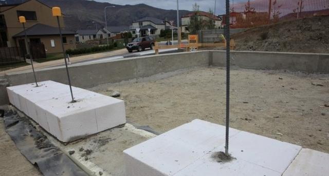 Какой фундамент лучше для дома из пеноблоков в 2 этажа на разных почвах 1