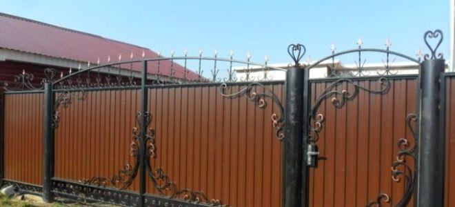 Ворота из профнастила с элементами ковки – фото и варианты
