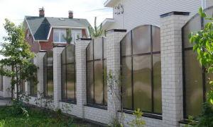 Забор из поликарбоната – опыт моего соседа