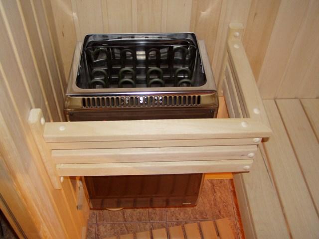 В случае установки электрической каменки - опасности от бани в доме в плане пожара не будет