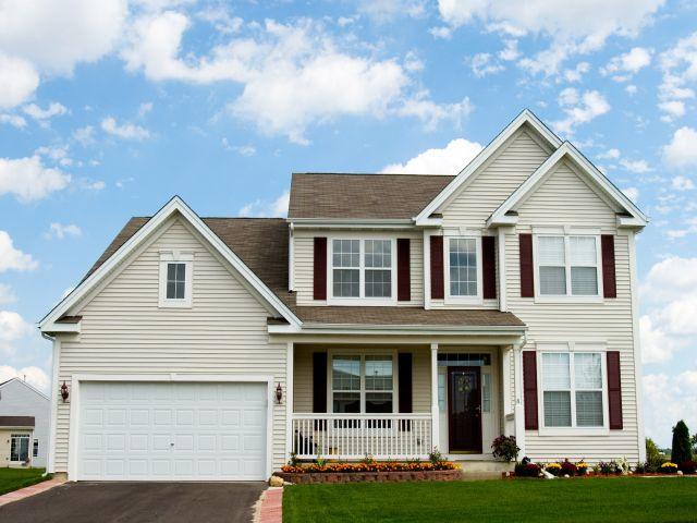 Крыльцо дома - это то, что встречает вас на входе и дает всему дому индивидуальность.