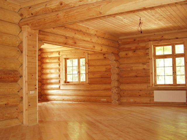 Прихожая в русском стиле - лучший вариант для деревянного дома.
