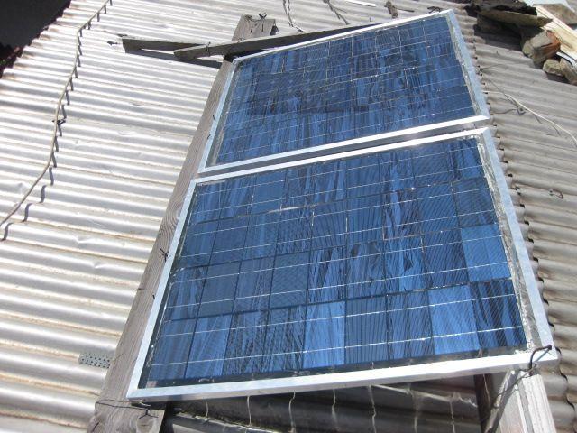 При таком варианте установки солнечные батареи будут все время занесены снегом.