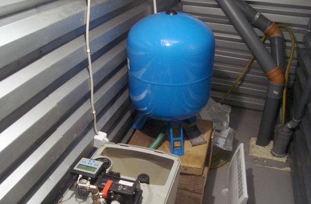 Посмотрите, водопровод в частном доме - реализуется по самой простой схеме.