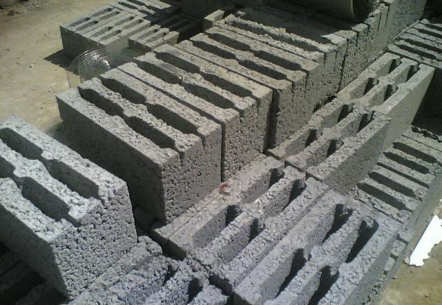 Блоки для строительства гаража я купил с отложенной доставкой.