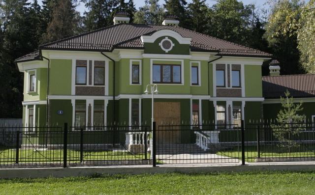 Система мокрого фасада позволяет делать очень красивые утепленные фасады.