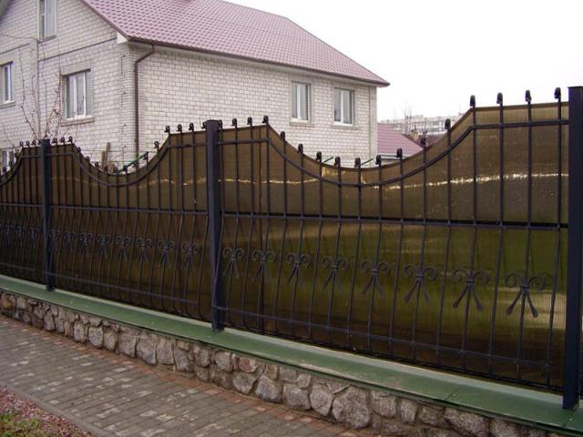 Забор из поликарбоната-3
