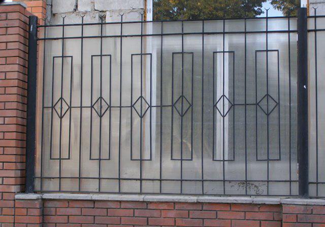 Забор из поликарбоната-6