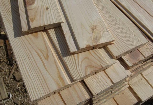 Приложив руки к такому материалу, можно получить отличный интерьер в деревянном доме.