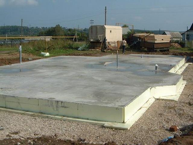 Фундамент из дорожных плит под каркасный дом 4