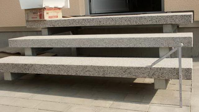 Готовые ступеньки для крыльца - фото ступеней из дерева, бетона, металла 1