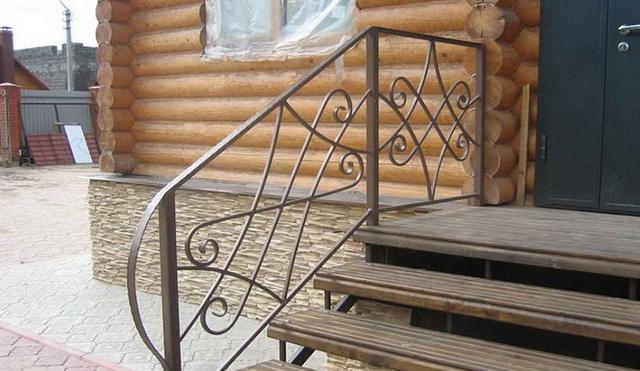Готовые ступеньки для крыльца - фото ступеней из дерева, бетона, металла 3