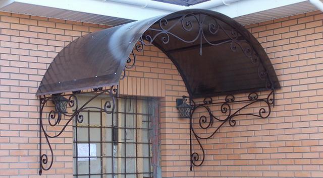 Козырьки над крыльцом из поликарбоната - цена изготовления и фото 4