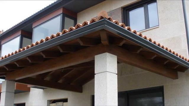 Навесы и козырьки над крыльцом дома – фото и дизайн 2