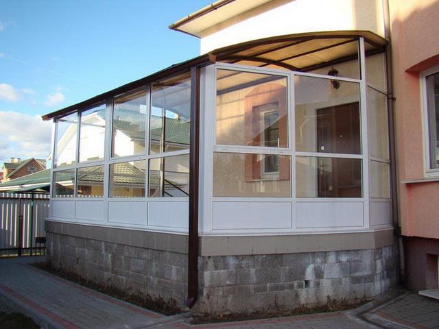 Окна из поликарбоната для веранды - варианты, фото, цена 1
