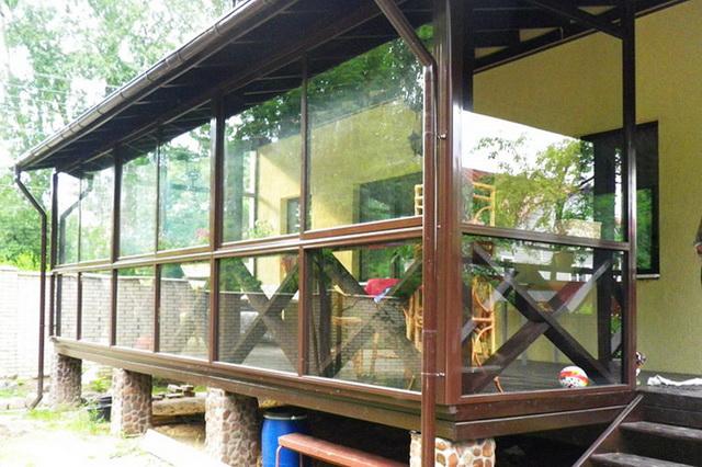 Окна из поликарбоната для веранды - варианты, фото, цена 3