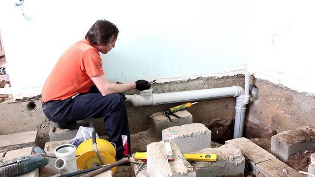 Простая схема канализации для частного одноэтажного дома 1