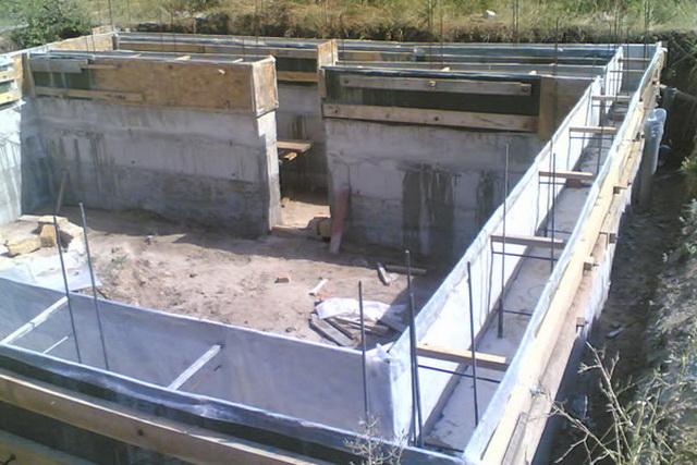 Заливка фундамента под частный дом своими руками - видео 2